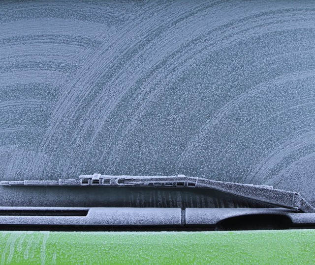 replace windshield wipers